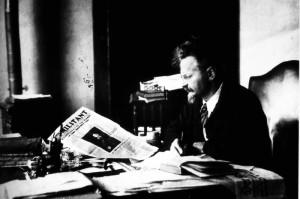 Trotsky reading The Militant